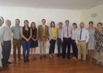 Foto grupal entre la Directiva y los nuevos Socios Adjuntos Becados SOCHED.