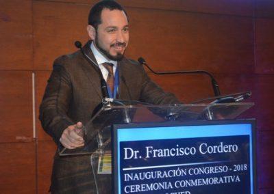 Dr. Francisco Cordero dando la bienvenida a los asistentes.