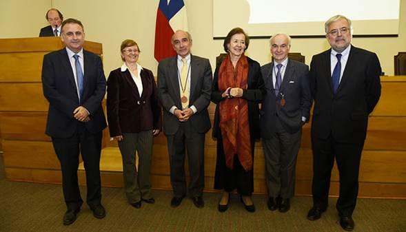 IDIMI celebró sus 30 años de existencia, en emotiva ceremonia que incluyó homenaje a miembros SOCHED